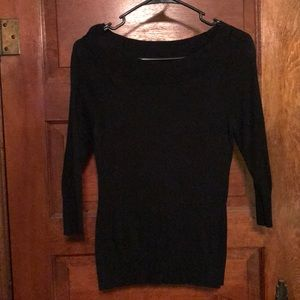 Black quarter length sleeve sweater